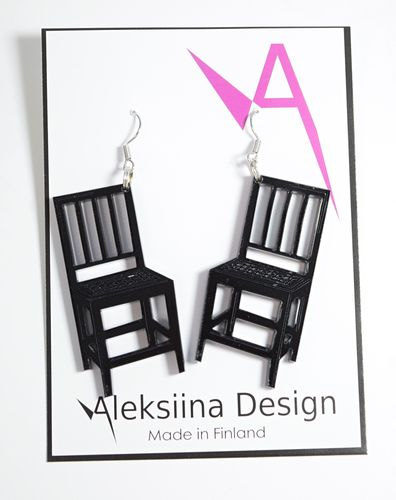 Aleksiina Sit Down Earrings Black