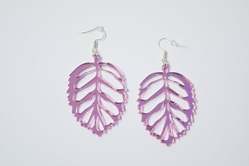 Aleksiina Leaf Earrings Pinkmirror 5 cm
