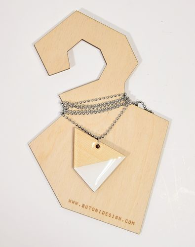 Butoni Muoto Necklace Wood/White
