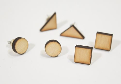 Aleksiina Basic Shape Stud Earrings Wood