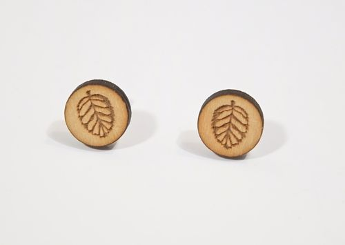 Aleksiina Leaf Stud Earrings Wood